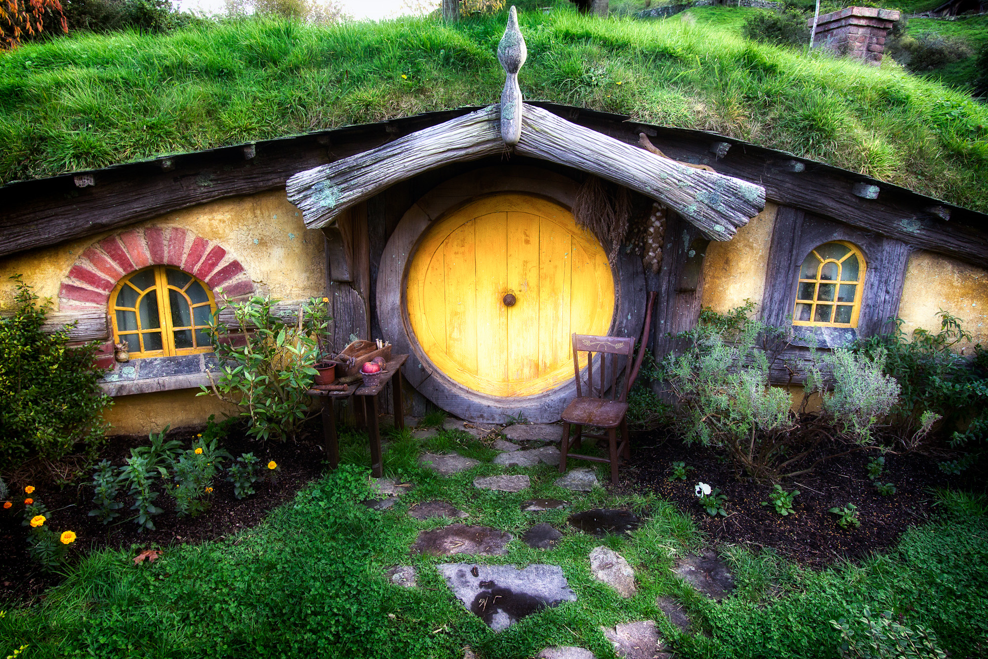 Image gallery hobbit house new zealand for Hobbit house images