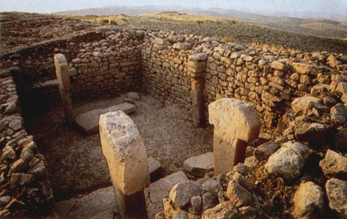 temple of urfa Other statues were also found when the ancient temple was unearthed in the  center of harran plain , 17 kms from şanlıurfa(2) further studies.